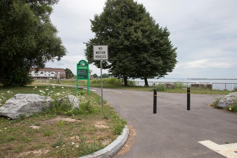 Lakefront Boulevard Entrance - inside LaSalle Park