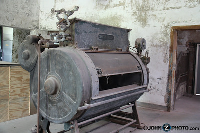 Old Laundry Machine