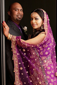 While waiting in the bridal suite, Easha & Qazi find themselves modeling a little.