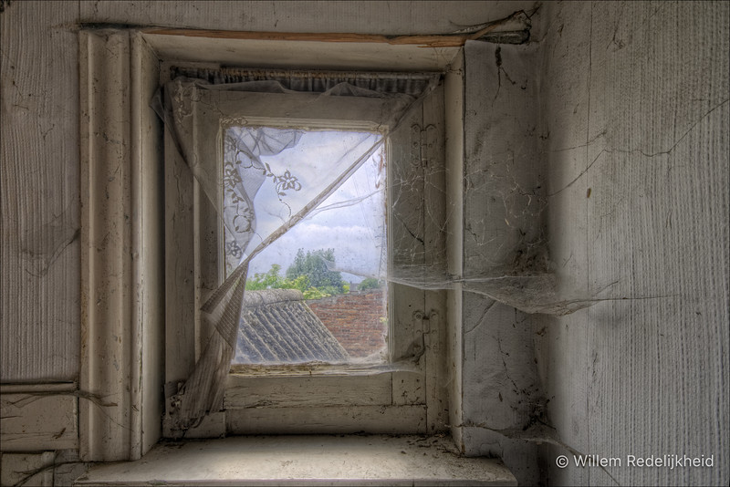 See-Through in Doel