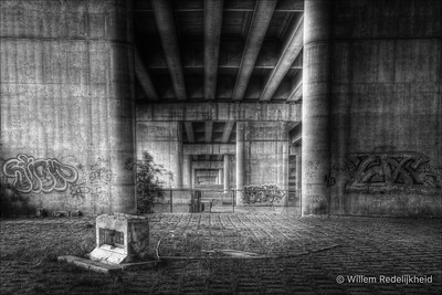 Underneath the van Brienenoordbrug in HDR