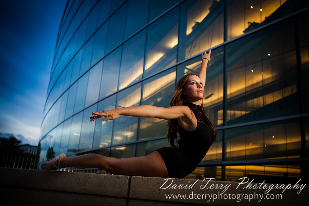 IMAGE: http://www.dterryphotography.com/Models/Elle-and-Anja-Ballerinas/i-vzzpFZP/0/XL/100479-XL.jpg
