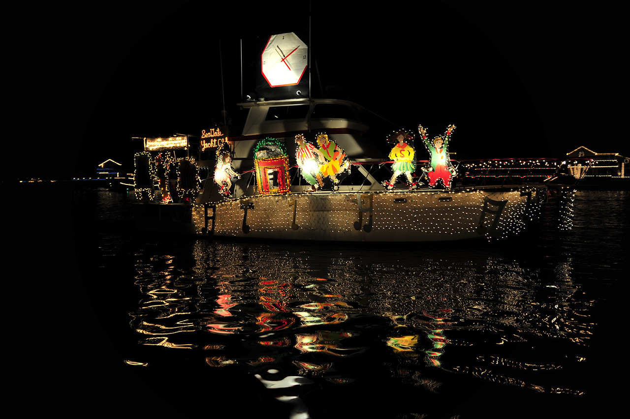 Huntington Beach Christmas Boat Parade. I especially like the reflections.