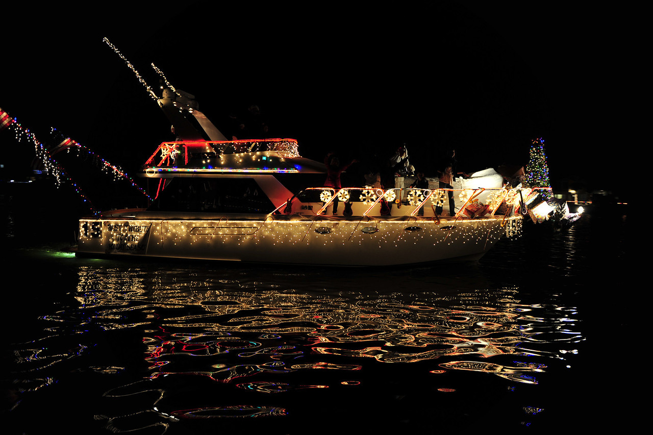 Huntington Beach Christmas Boat Parade. I especially like the reflections