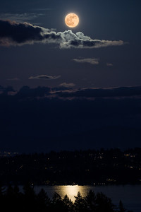 Supermoon 2012 over Lake Washington