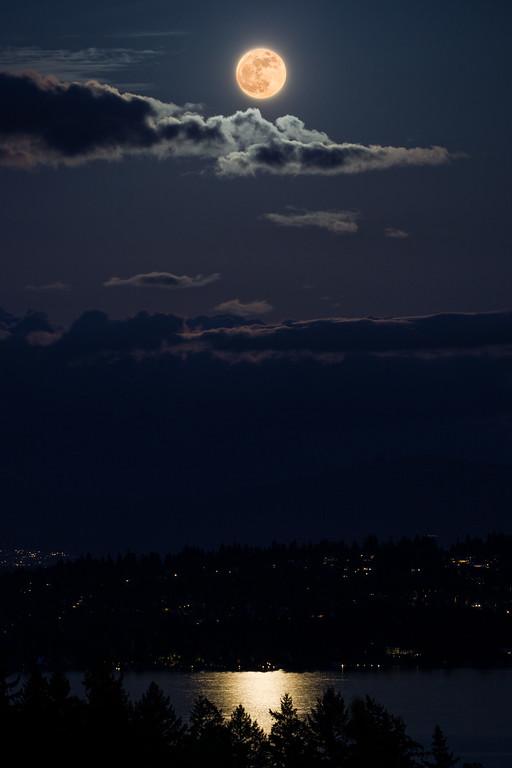 Supermoon 2012 over Lake Washington