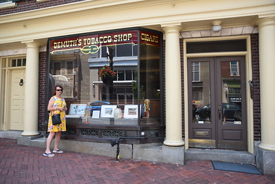 oldest tobacco shop in the USA