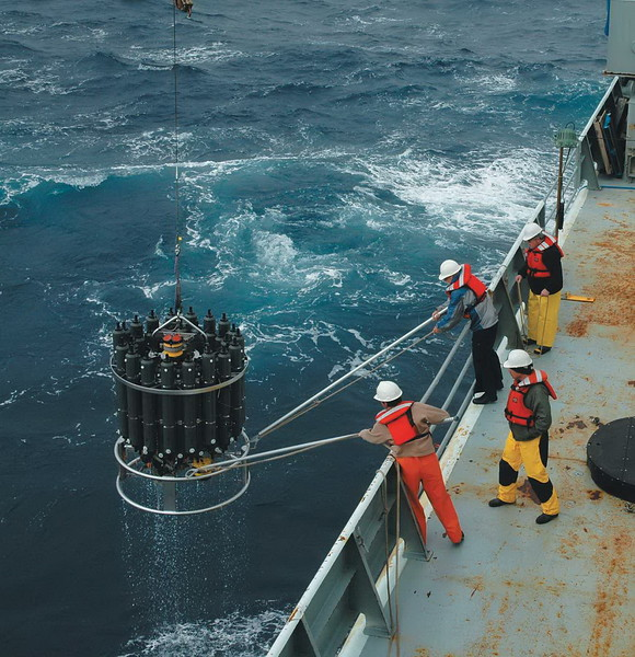 Recovering rosette unit unit during repeat hydrography measurements