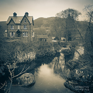 I have been wanting to come back to Betsw y Coed since 1998, when we came here with Isabella and Maddie.  It is a lovely little villiage close to Mt Snowdon and has a delightful waterfall and stone bridge right in the middle of town.