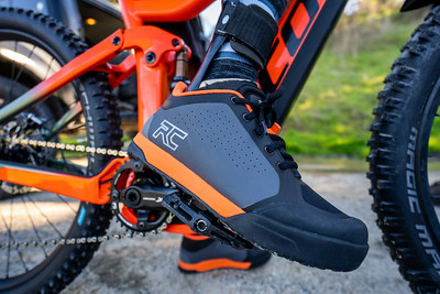 Paul Basagoitia wears the Ride Concepts Powerline shoe during our shoot.