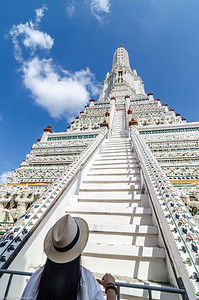 Hat at Wat Arun (Bangkok - Thaïland)