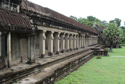 The temple is absolutely massive - the outer wall is 2.2 miles square - meaning, once passing through the main gate, it's almost a 1 mile walk to the temple's courtyard