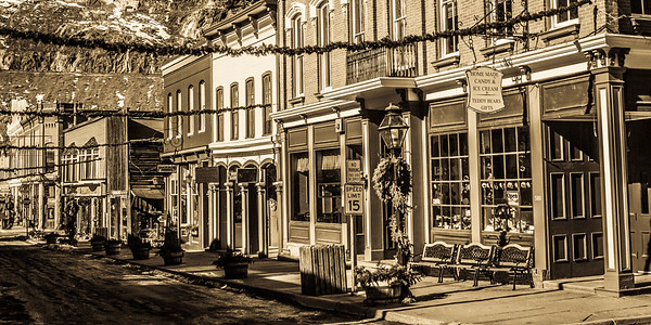 Main Street Georgetown, Antique