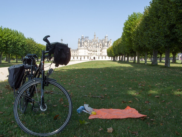 What a spot for a picnic! | Chambord, Centre France