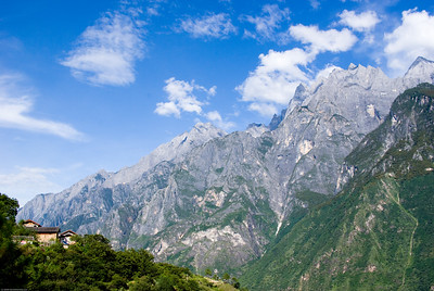 Tiger Leaping Gorge Trek, Yunnan Province, China