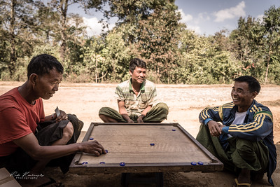 Pool mixing card and other game : Myanmar game !