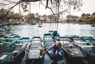 Tam coc boat