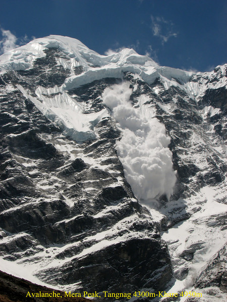Avalanche on the Mera Peak, Tangnag 4300m-Khare 4950m