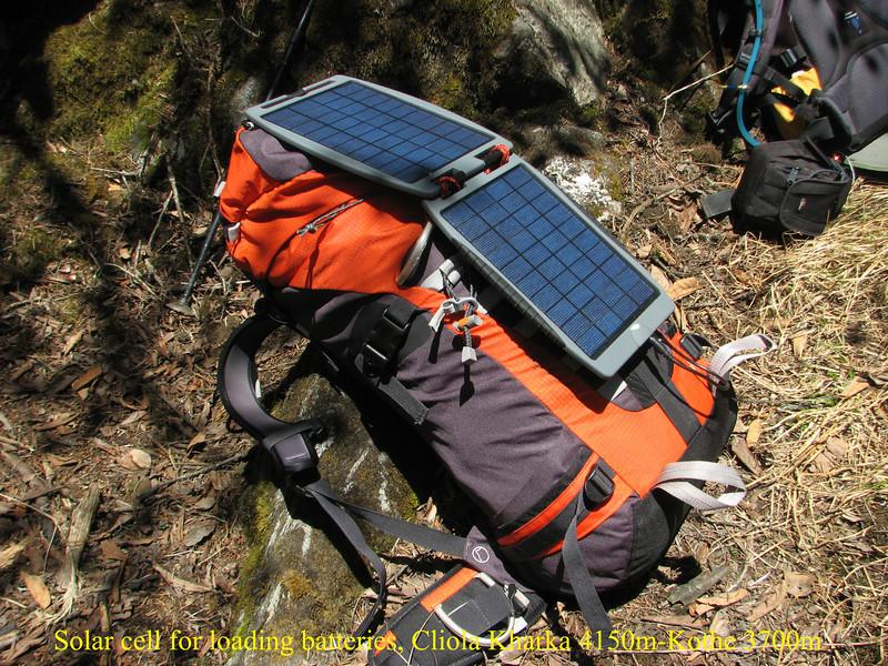 Solar cell for loading batteries, Cliola Kharka 4150m-Kothe 3700m
