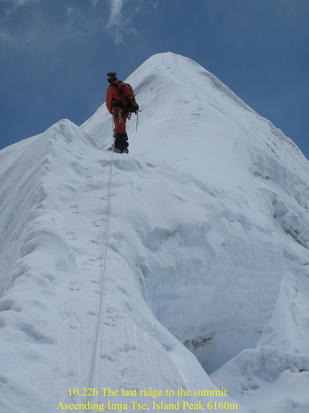 10.22h last ridge to the summit. Ascending Imja Tse, Island Peak 6160m