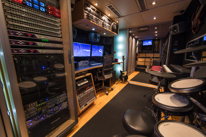2018_01_24, Anaheim, Bus, CA, Day 1, Interior, Lennonbus.org, NAMM, OWC, Press, Yamaha