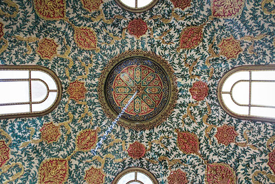 Ornate ceiling of the Revan Kiosk of Topkapı Palace in Istanbul
