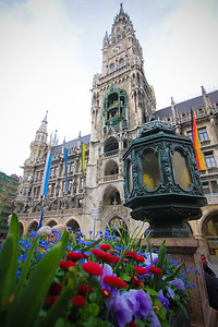 Marienplatz, waiting for the Glockenspiel to chime.