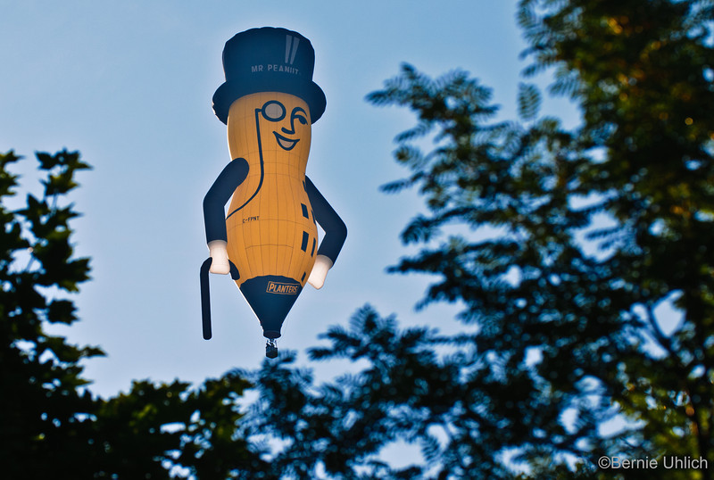 Flying Planters Peanut