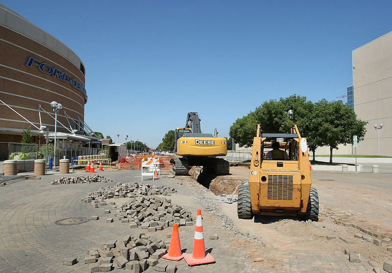 Construction on Reno between the Ford Center and the Cox Convention Center. PHOTO BY MAIKE SABOLICH