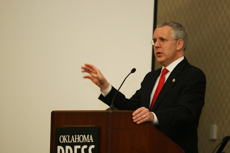 Governor Brad Henry speaks at the Oklahoma Press Association conference Friday afternoon.