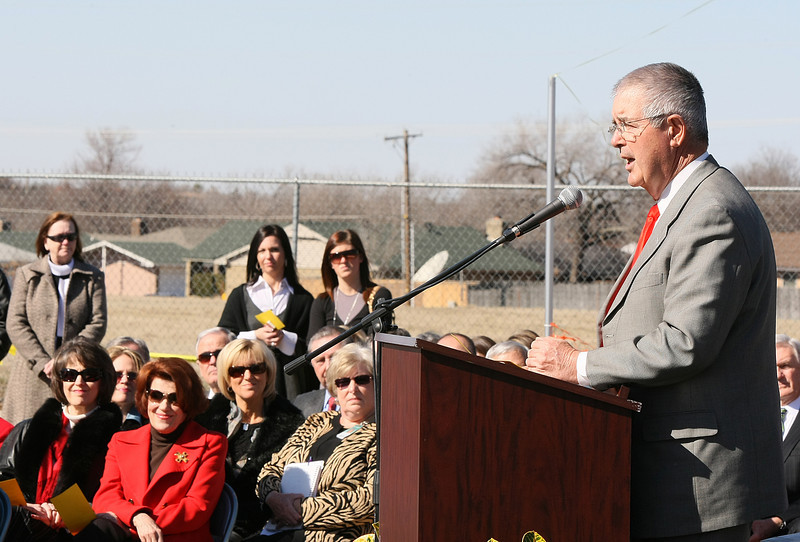 Stanley Hupfeld speaks at the Stanley Hupfeld Academy at Western Village dedication ceremony Wednesday. PHOTO BY MAIKE SABOLICH