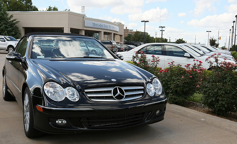 Mercedes car dealership in midtown Oklahoma City. PHOTO BY MAIKE SABOLICH