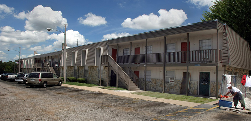 Compass Pointe Apartments, an 86 unit complex at 29 N. Lakewood in Tulsa, recently sold for $830,000.