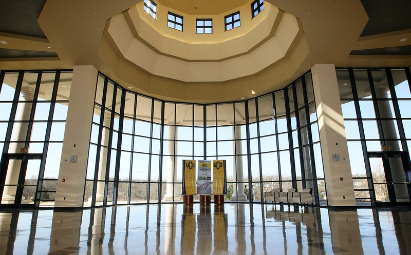 Rotunda. PHOTO BY MAIKE SABOLICH