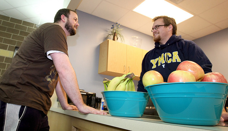 Josh Holman and Jonathan Decker at the YMCA Health Bar in South Oklahoma City Tuesday. PHOTO BY MAIKE SABOLICH