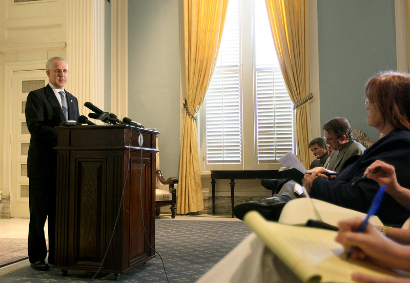 Governor Brad Henry gives his last press conference as  governor during a legislative session Friday. PHOTO BY MAIKE SABOLICH