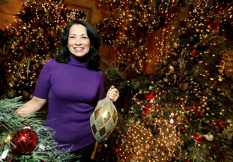 Rosana Silvestri is a professional tree decorator. PHOTO BY MAIKE SABOLICH