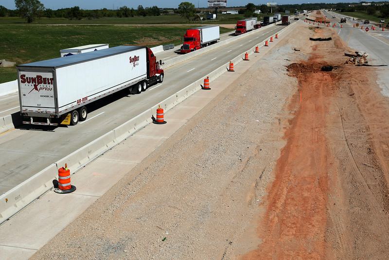 Construction on I-40 west of Yukon. PHOTO BY MAIKE SABOLICH