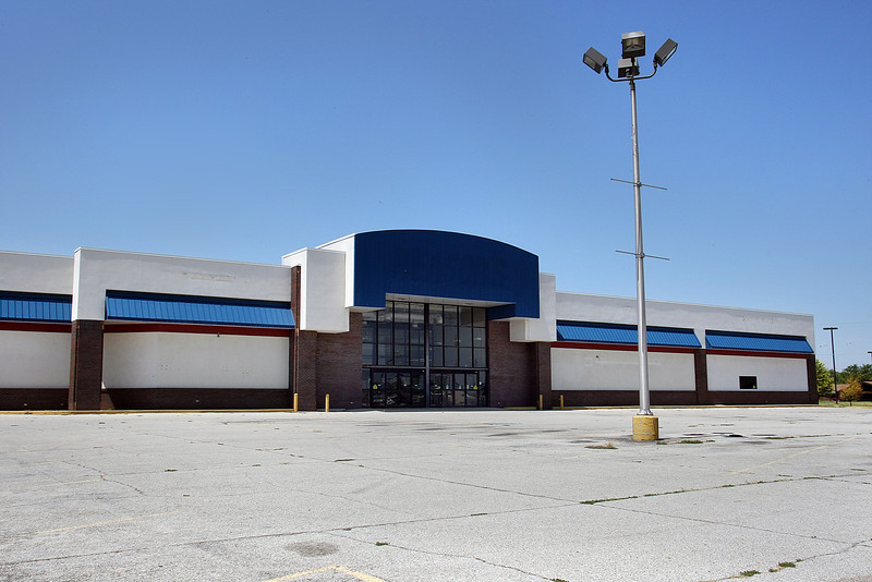 St. John Health System paid $3.7 million for the for the 53,336-square-foot former Reasor's location in Jenks.