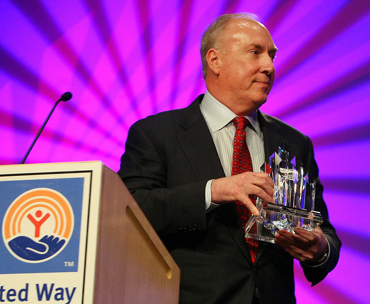 Stan Lybarger, CEO of the Bank of Oklahoma, accepts the Tulsa Area United Ways new Williams Summit Leadership Award.