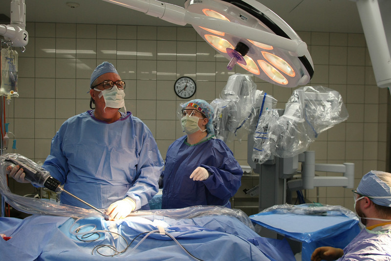 Dr. Lynn Frame prepares to perform a hysterectomy using the da Vinci surgical Robot at the St Johns Hospital in Tulsa.