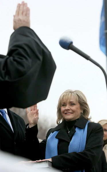 Mary Fallin is swaorn in as governor Monday on the steps of the State Capitol. PHOTO BY MAIKE SABOLICH