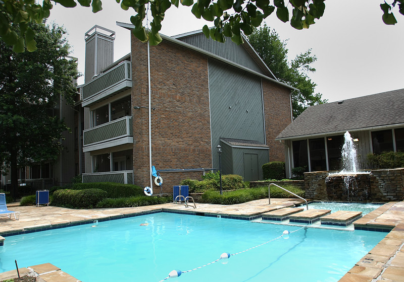 Capital Assets sold its 224-unit Lincoln Glens Apartments in Tulsa to a California investor group for $7.59 million.