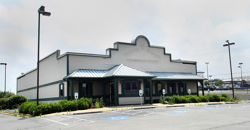 The old Lone Star Steakhouse at 7110 S. 101st East Ave. will soon become a Russell Stover Candies store.  The of Kansas City Mo., company paid $1.3M for the site near on Tulsa's busy 71st & Hwy 169 intersection.