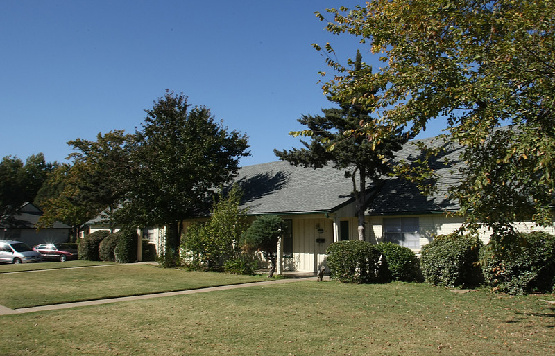 The Turtle Creek Park Apartments at 2218 East 59th Street in Tulsa were recently purchased by Cresmarc for $$$$$.