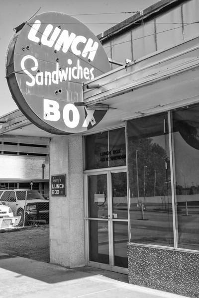 Johny's Lunch Box has closed it's doors.