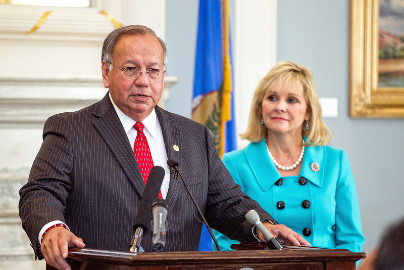 Governer Mary Fallin and Chief George Tiger of the Creek Nation signed a pact at the capitol ending a legal battle of tobacco sales.