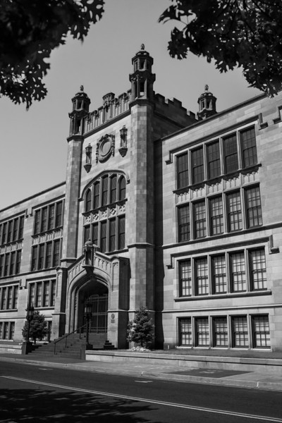 Oklahoma City University won the bid to purchase the old Central Highschool on NW 7th and Robinson in Oklahoma City. The building will be used by the OCU School of Law.