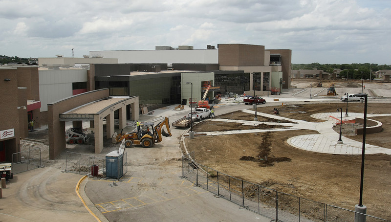 Tulsa's Union High School's main entrance. <br /> <br /> Currently undergoing a remodel it seems.