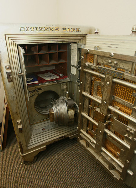 Citizens  Bank original safe.  PHOTO BY MAIKE SABOLICH